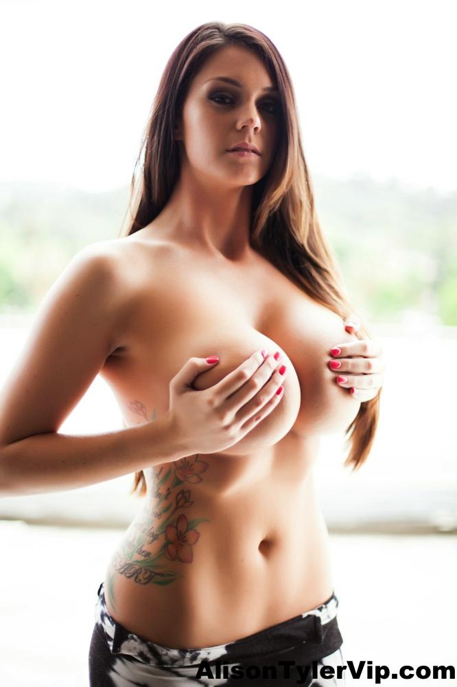 Alison tyer posing nude in bed 3